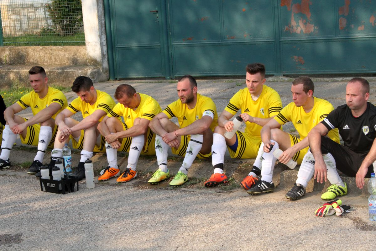 Photo of Futbalisti Svätoplukova čakajú na nové šatne