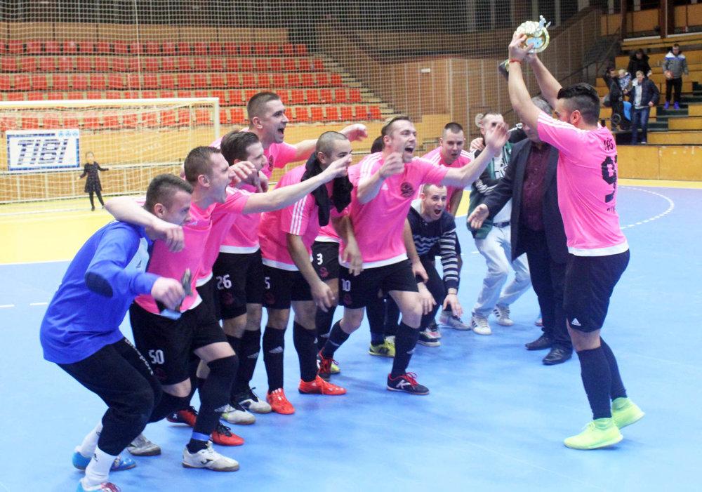 Zlato z TIBI Cupu môže tromfnúť postup do šiestej ligy.